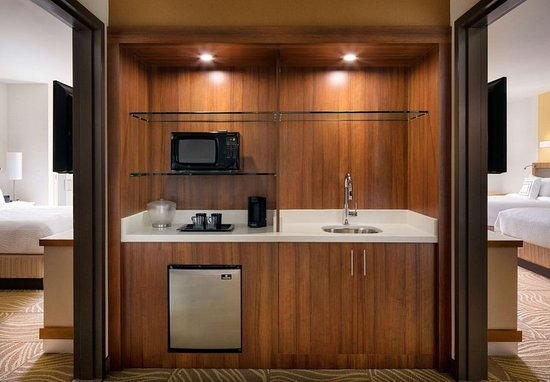 guest room foto springhill suites los angeles burbank. Black Bedroom Furniture Sets. Home Design Ideas