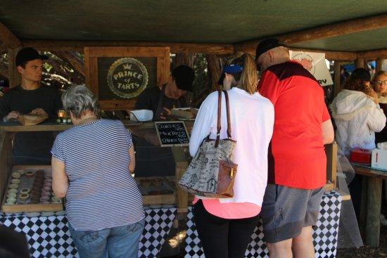 Wild Oats Community Farmers Market Foto