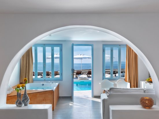 Agios Stefanos, Grecia: Prestige Suite Sea View with Hammam and Jacuzzi