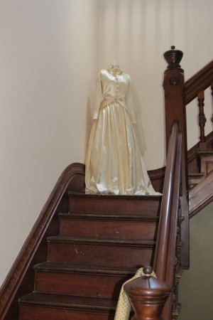 Independence, MO: Pretty dress on the stairs.