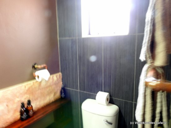 Mariental, Ναμίμπια: Neat and clean bathroom.