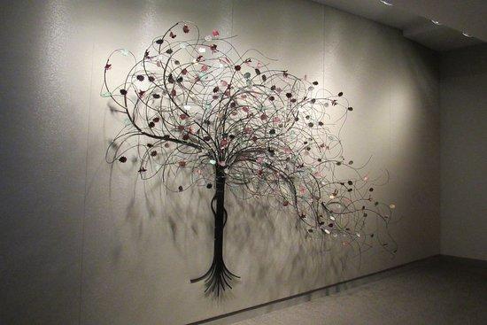 อินดิเพนเดนซ์, มิสซูรี่: Art inside on the way to the sanctuary.