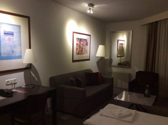 Foto Adina Apartment Hotel Budapest