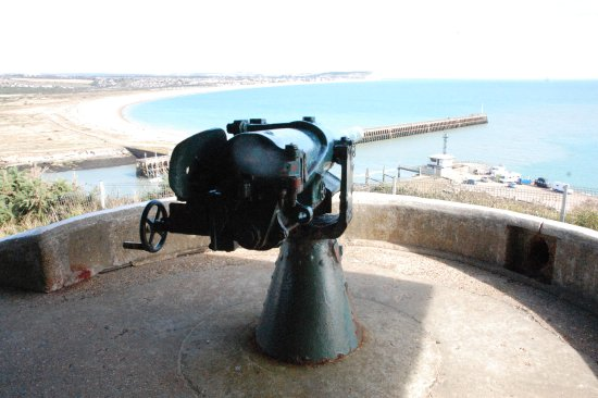 Newhaven, UK: Light gun emplacement