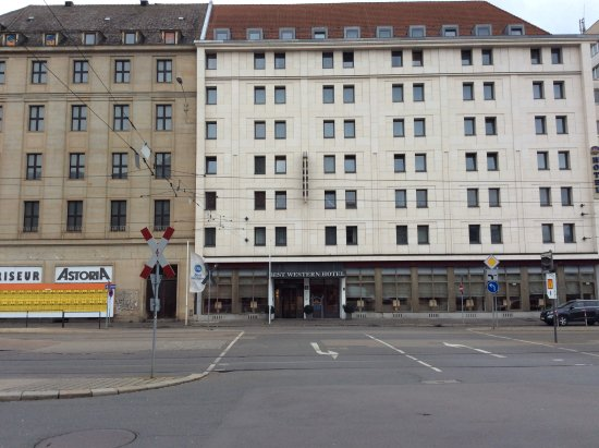 Best Western Hotel Leipzig City Center: As seen from the railway station