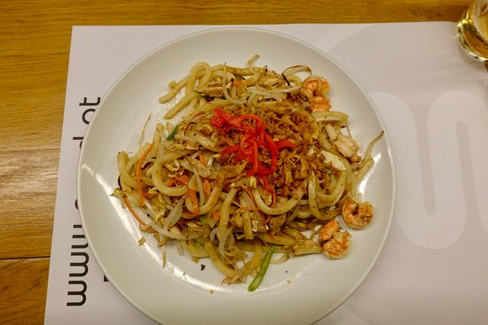 Main course - Udon noodles with shrimp and ginger