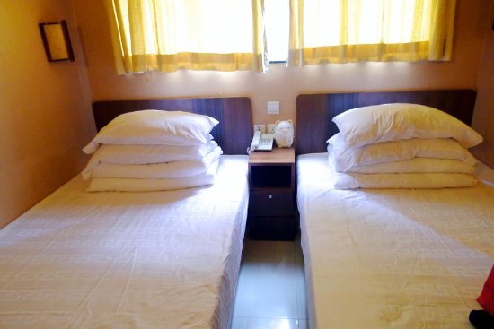 Golden Crown Guesthouse: Superior Quadruple Room