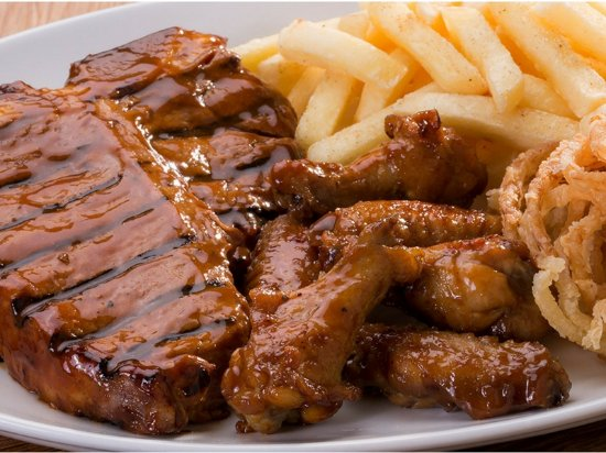 Malmesbury, South Africa: T-bone Steak & Wings Combo