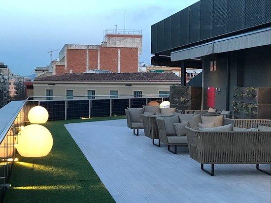 Hotel Olivia Balmes: Rooftop deck