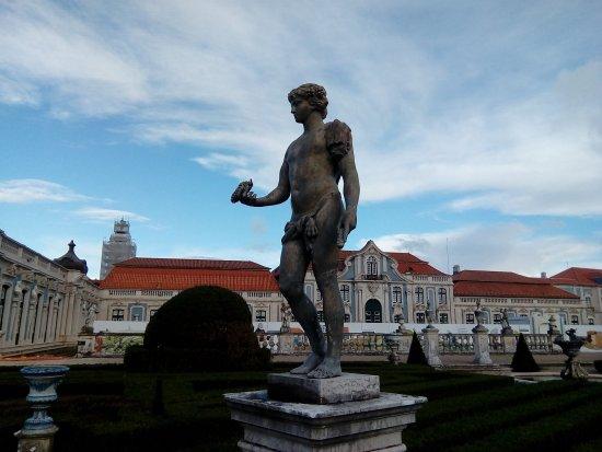Estátua Palácio Nacional de Queluz
