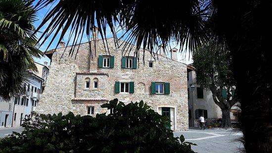 Grado, Italia: altes Haus