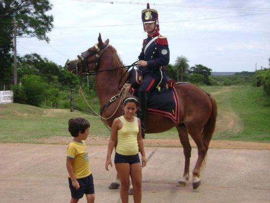 Yapeyu, อาร์เจนตินา: Granadero en el regimiento de Yapeyú.