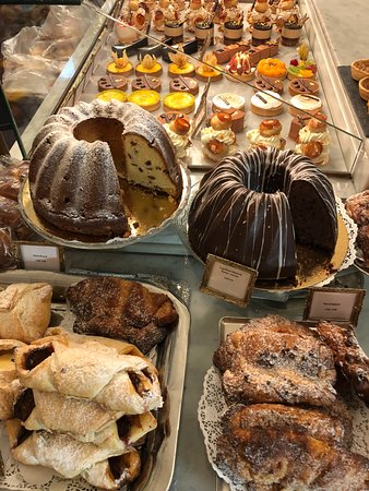 Cafe Schober: Dreamy Cakes and Pastries!