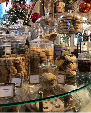 Cafe Schober: So Many Cookies!