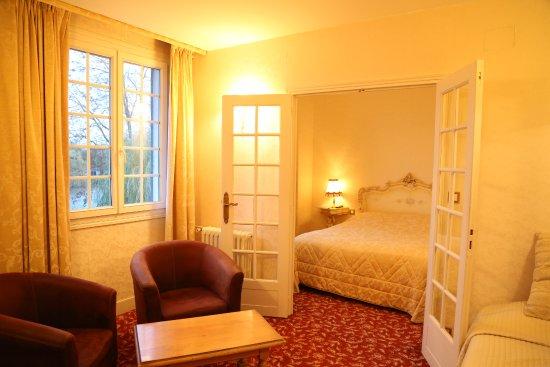 Saint-Pierre-du-Vauvray, Frankrike: Une chambre lumineuse avec un salon pour vous retrouver... enfin !