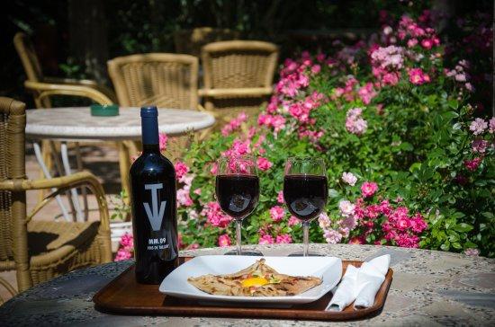 Siurana, España: Terrza para aperitivos, desayunos y cenas.