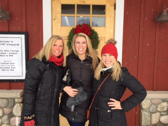 Traverse City, MI: 3 Blondes at the Boathouse