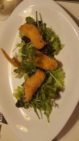 Нова-Потенте, Италия: Coniglio fritto su letto di misticanza e salsa rafano e semi di senape