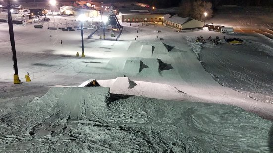 Boone, IA: Ski snowboard and snow tube!