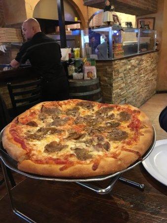 Bella Napoli Pizzeria & Restaurant Photo