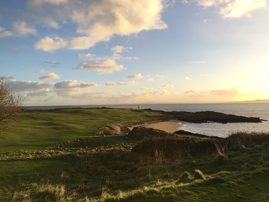 Greencastle Golf Club: #12 - playing out to the lighthouse