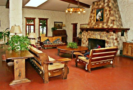 John Newcombe's Tennis Ranch: Main Lodge
