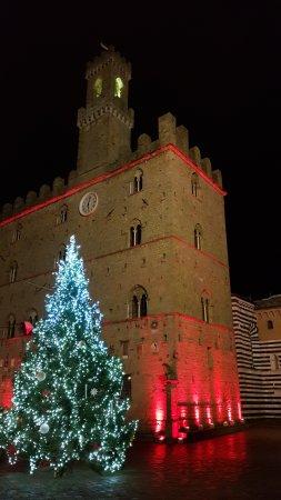 Palazzo dei Priori : Palazzo Priori by Night