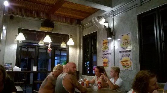 Buffalo Thai Cafe & Bistro : tavoli