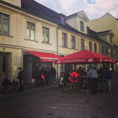 Berliner Currywurst in Potsdam - Bild von Curry Wolf Potsdam ...