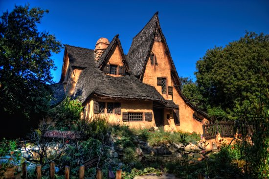 Vest-Hollywood, CA: Witch House