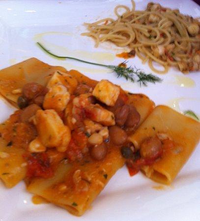 Portisco, Italie : Paccheri Aragosta