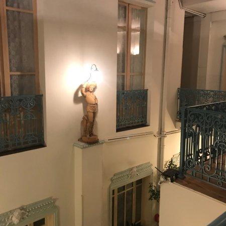 Castelsarrasin, Francia: Un petit séjour dans ce petit hôtel plein centre ville beaucoup de charme et de douceur dans ce