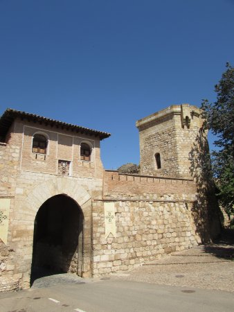 Puerta de la murralla en Daroca (Zaragoza).