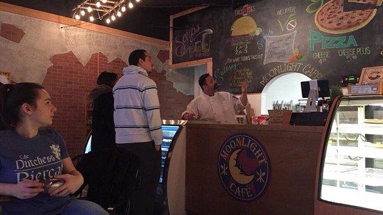 Brewster, NY: Neil from Moonlight explaining the menu.