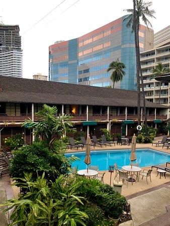 Breakers Hotel Updated 2018 Prices Reviews Hawaii Honolulu Tripadvisor
