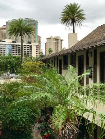 Breakers Hotel: Old style Hawaiian at The Breakers
