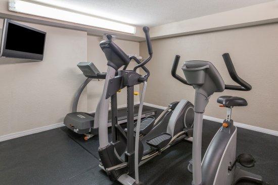 Ramada Lakeland: Workout Area
