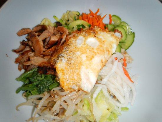 Yong's Kal-Bi: Chicken Bibimbop ~ Yong's Kal-Bi, Waimea, HI