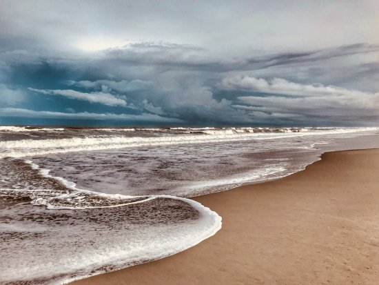 Port d'Hiver: Melbourne beach across the street