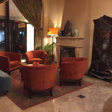 The Kensington Park Hotel: photo0.jpg