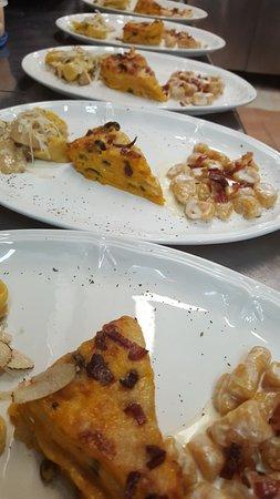 Portomaggiore, Italy: Tris di primi - serata in onore della zucca (cappellacci/gnocchetti/lasagnetta)