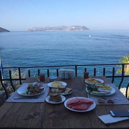 Cappari Hotels Aqua Princess Hotel: Kahvaltı çok lezzetliydi. Manzara inanılmaz güzel. Personel çok çok güleryüzlü. Odalar temiz ve 