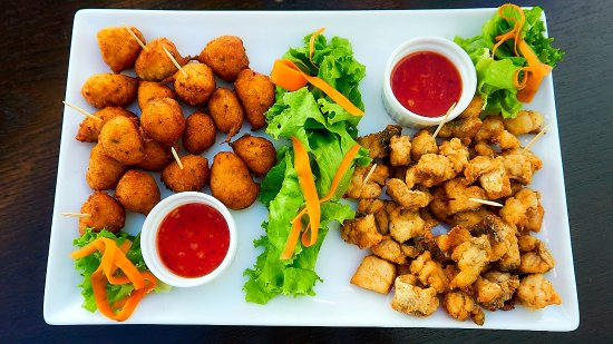 Restaurant La Mariniere: assiettes d'accras et croustillants de poissons à partager!