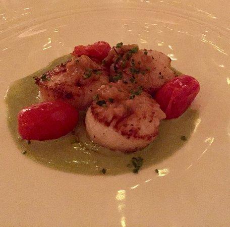 Lakeside Dining Room : Braised sea scallops.