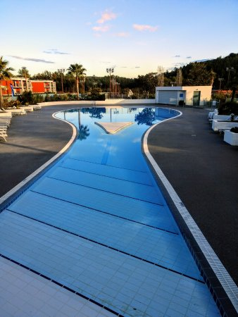 Sophia Antipolis, Frankrike: large and inviting pool