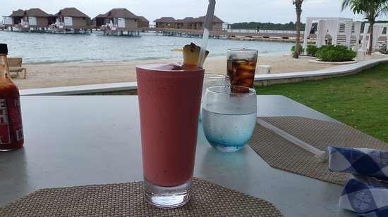 Sandals South Coast: Jamaican smile cocktail