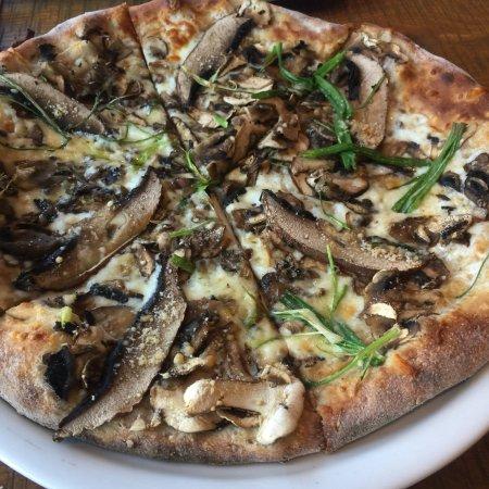 California Pizza Kitchen Arlington
