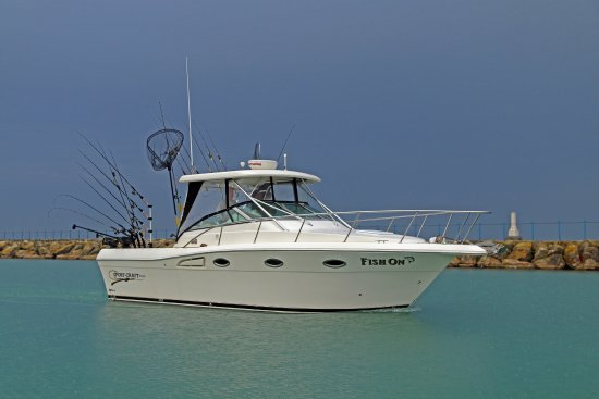 Port Washington, WI: The Sport-Craft 3010 Express is an awesome fishing boat.