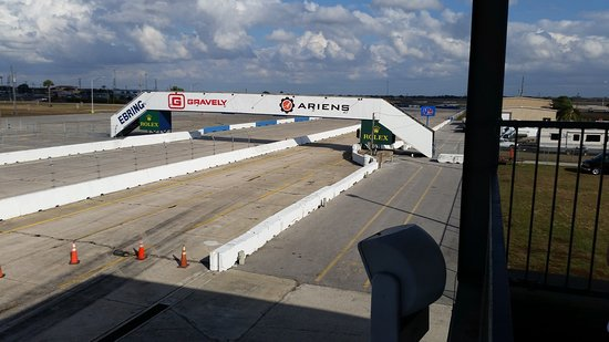 Sebring, FL: Racing on the old airfield