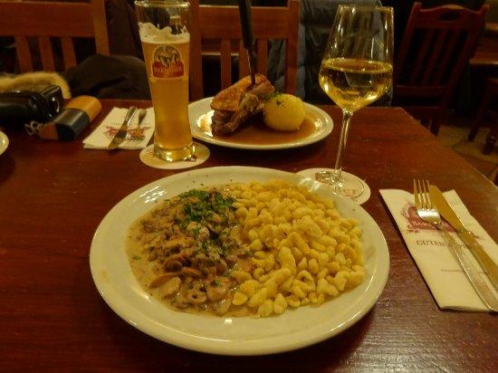 Jagerschnitzel and schaufele picture of barfusser for Bar 42 nurnberg